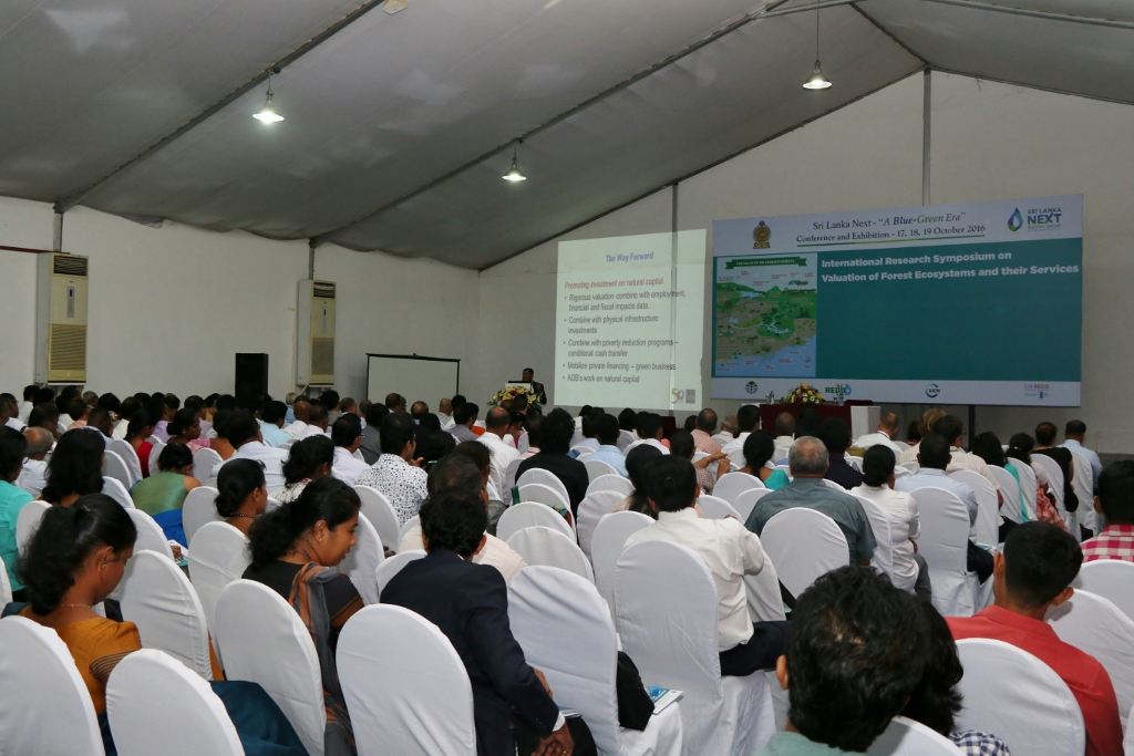 Participants attended at the Research Symposium to share experiences and discuss issues on valuation of forest ecosystems 1024x683